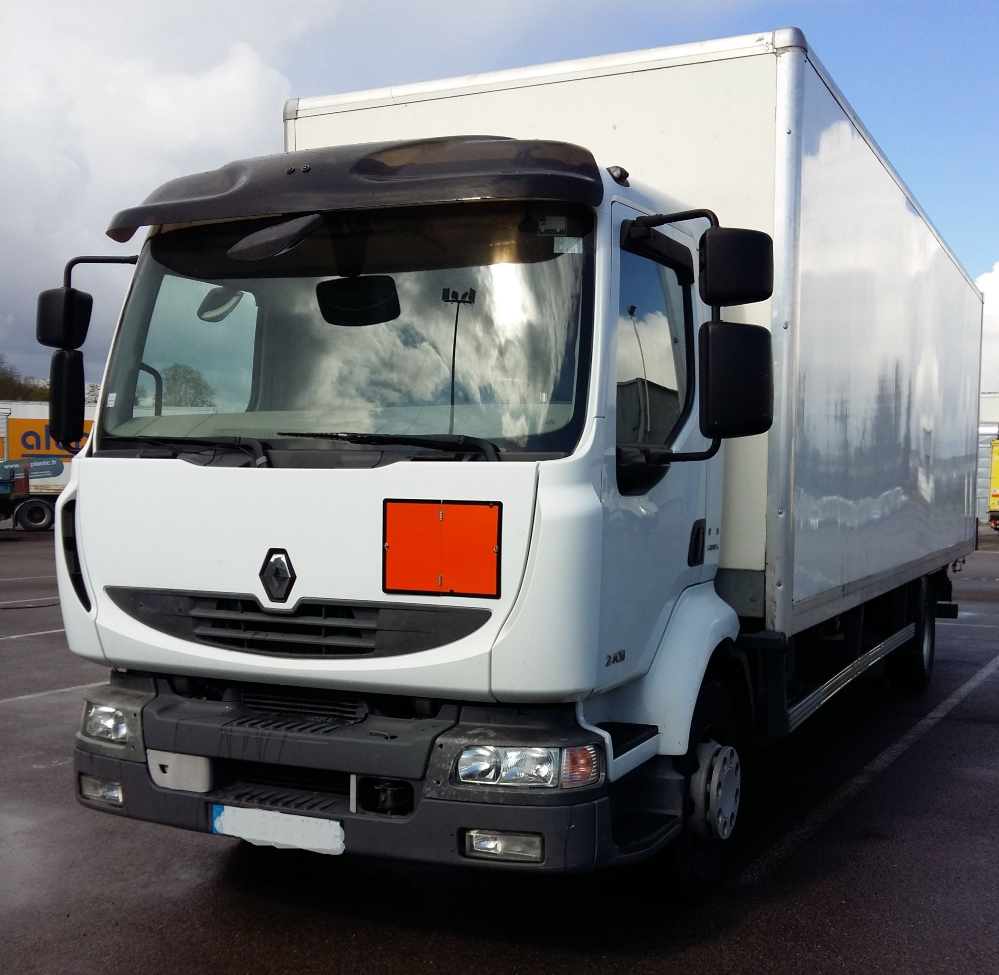Renault midlum 240.14 dxi caisse hayon