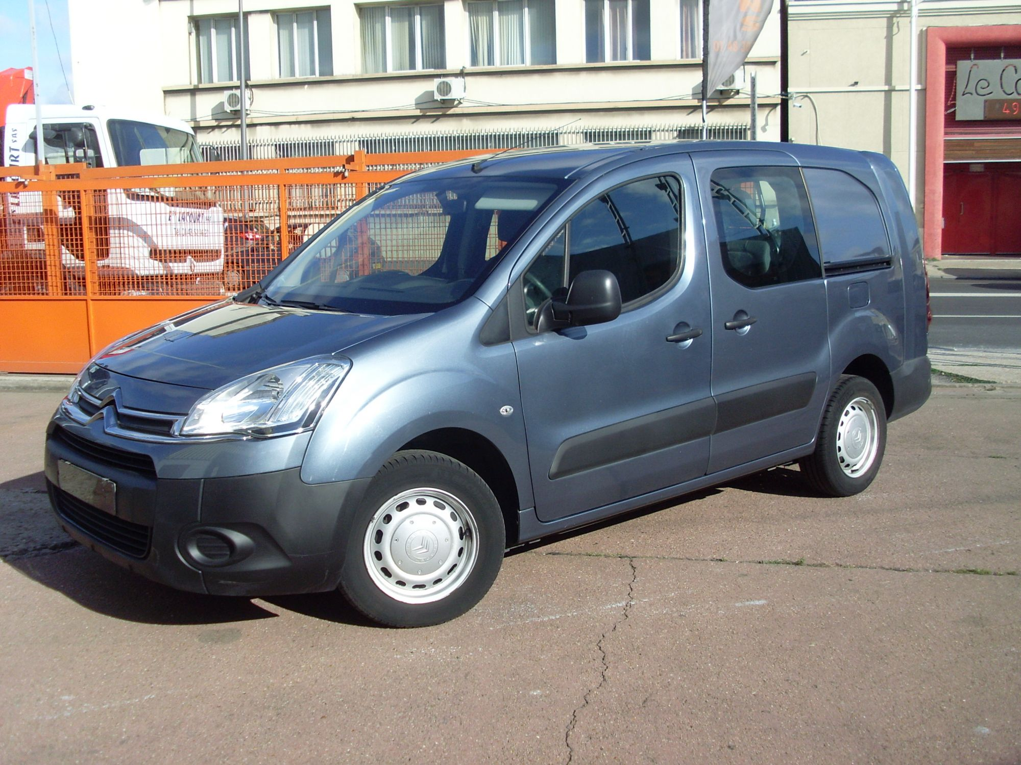 Fourgonette berlingo l2 hdi cabine appro 5 places